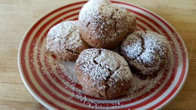 Småkager med marcipan og kakao