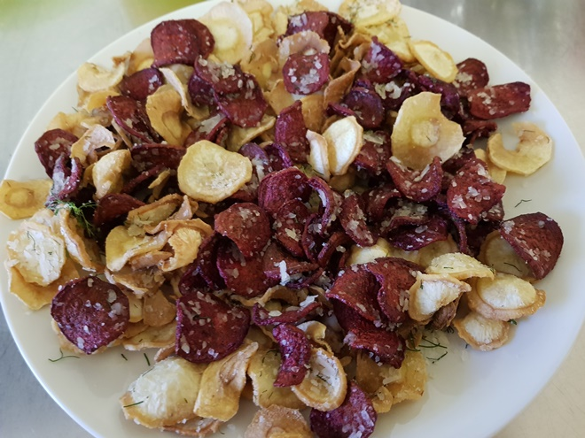 Rodfrugtchips med Parmigiano Reggiano