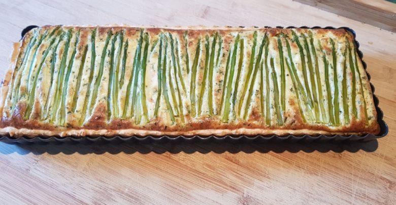 Quiche med asparges og laks